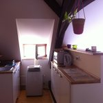 The kitchen area, with the air conditioning unit. We never had to use it though.