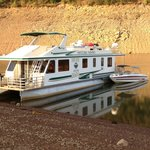 Our Mirage Houseboat Rental and Ski Boat