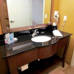 Hampton Inn & Suites Watertown resmi