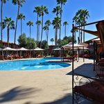 Фотография Days Hotel Scottsdale