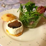 Cheese Mini Burger with summer truffles