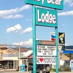 Lazy Bear Lodge resmi