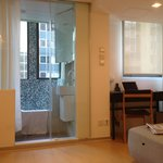 V Causeway Bay Hotel and Serviced Apartments resmi