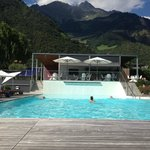 Piscina e pool bar
