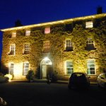 Hammet House Hotel, Llechryd at night