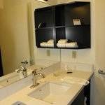 Photo de Candlewood Suites Detroit - Troy