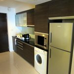 Photo de Oakwood Residence Sukhumvit Thonglor
