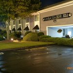 Φωτογραφία: Ambassador Inn and Suites