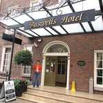 Photo de Buswells Hotel