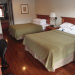 Foto BEST WESTERN PLUS Raffles Inn & Suites