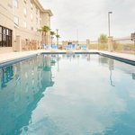 Photo de Holiday Inn Express Hotel & Suites Laredo-Event Center Area