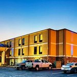 Welcome to the all-new Holiday Inn Express Chillicothe East