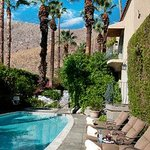 Willows Historic Palm Springs Inn