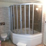Giant Shower, (again, I did have the honeymoon suite)