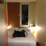 Photo de easyHotel Berlin Hackescher Markt