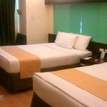 Microtel by Wyndham Hotel Cabanatuan City Room