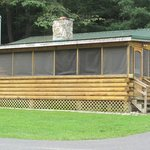 Cabin #7 - Black Bear - sleeps 4