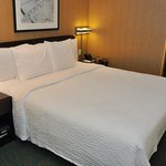 SpringHill Suites-Las Colinas: the mattress seemed worn but we slept well.