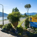 Te Anau Top 10 Holiday Park (Mountain View)