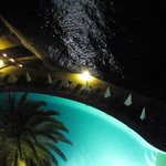 piscine et mer by night