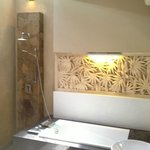 Open air shower in bathroom - Honeymoon Suite