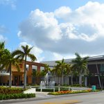 Welcome to the beautiful Dadeland Mall in Miami, Florida!