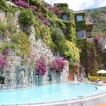 Incredible pool - by August, the entire wall is covered in flowers!