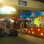 Nomads Cairns Backpackers and Serpent Bar resmi