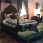 Foto de Hall Place Bed & Breakfast
