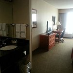 Foto de Holiday Inn Hotel & Suites Warren