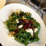 arugula and beet salad with goat cheese