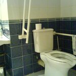 bathroom, good for disable
