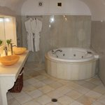 Artemis Suite - bathroom