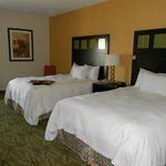 Фотография Hampton Inn and Suites Tulsa - Woodland Hills