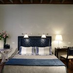 Photo de Inn Spagna Charming House - Frattina 122