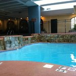 Photo de Embassy Suites Hotel Kansas City - Plaza