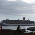Cruise ship leaving harbour