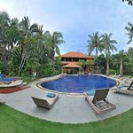 Photo de Three Brothers Bungalows