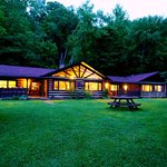 Photo de Whisperwood Farm B&B, Creekwalk Inn and Honeymoon Cabins