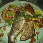 mix-grill de poisson (bar, rouget, thon et gambas)