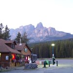 Castle Mountain Chalets resmi
