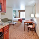 Photo de Holiday Inn Express Hotel & Suites Cherry Hills