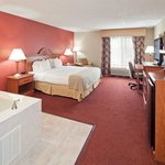 Photo de Holiday Inn Express Lawrenceburg - Cincinnati