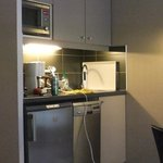 The kitchenette - very well equipped.