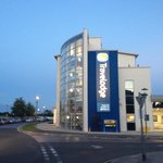 Portishead Travelodge at night