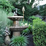 Fountain & Outdoor seating