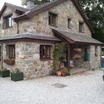 Cysgod y Coed B&B and Self Catering Cottage resmi