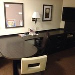 صورة فوتوغرافية لـ ‪Candlewood Suites - Wichita Northeast�
