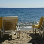 lovely free access to the beach with great loungers including a thick and soft mattress layer