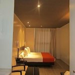 Photo de Sercotel Suites Viena